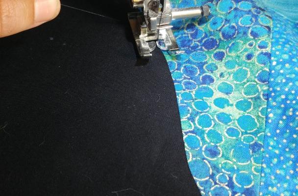 Burying thread on machine blanket stitch